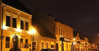 Penzion Plaza - Košice - Gebouw