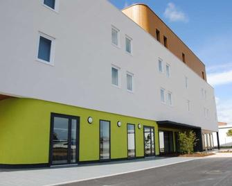 Brit Hotel Vendee Mer - La Mothe-Achard - Gebäude