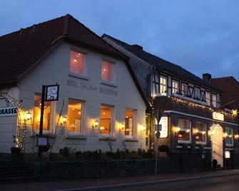 Hotel Zur Linde - Hitzacker - Gebouw