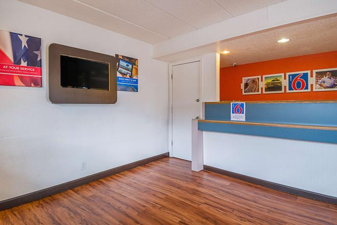 Motel 6 Knoxville North - Knoxville - Aula