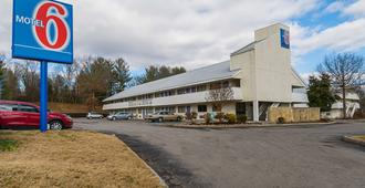 Motel 6 Knoxville North - Knoxville - Gebäude