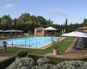 Hotel Il Piccolo Castello - Monteriggioni - Pool