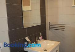 Anita & Garibaldi - Marsala - Bathroom