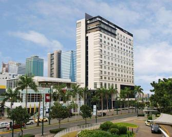 Seda Bonifacio Global City - Taguig - Building