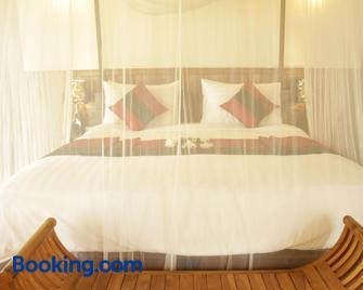 Nataya Roundhouse Coral Bay Resort and Spa - Kampot - Bedroom