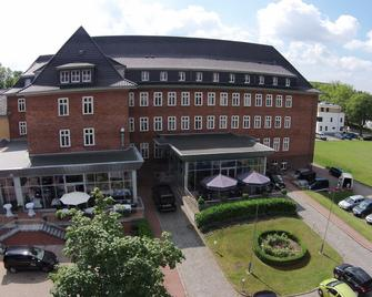 Hotel Am Schlosspark - Gustrow - Будівля