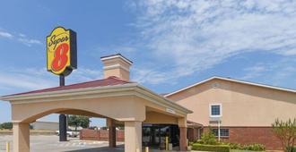 Super 8 by Wyndham Burleson Fort Worth Area - Burleson - Edificio