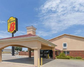 Super 8 by Wyndham Burleson Fort Worth Area - Burleson - Building