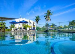 Fiji Gateway Hotel - Nadi - Piscina