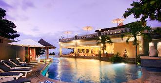 Pelangi Bali Hotel And Spa - Kuta - Building