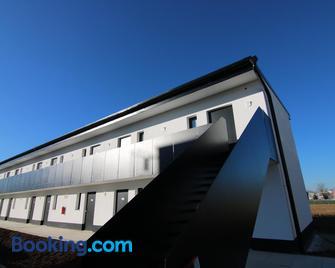 Gi Hotel - Giengen - Building