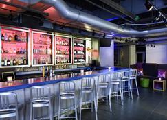 Aloft Cleveland Downtown - Cleveland - Bar