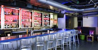 Aloft Cleveland Downtown - Cleveland - Bar