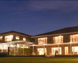 305 Guest House - Amanzimtoti - Building