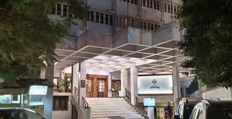 Hotel Yuvraj - Vadodara