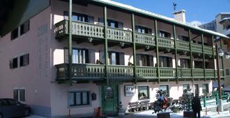 Hotel Zeni - Madonna di Campiglio - Κτίριο