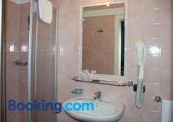 Oasi - Cortina d'Ampezzo - Bathroom