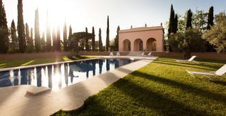 Villa Loggio Winery And Boutique Hotel - קורטונה - בריכה