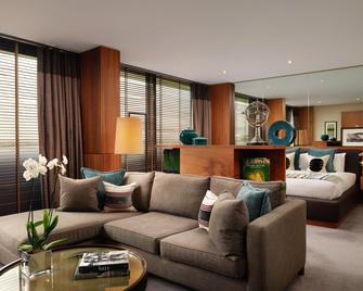 Aviator Hotel - Farnborough - Вітальня