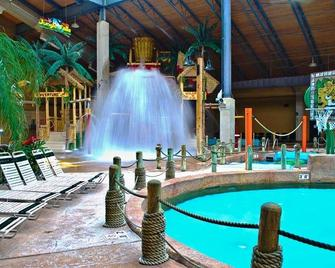 Split Rock Resort - Lake Harmony - Pool