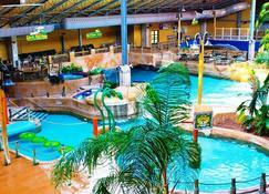 Split Rock Resort - Lake Harmony - Pileta