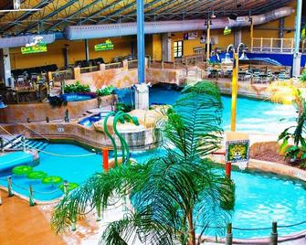 Split Rock Resort - Lake Harmony - Pool