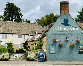 The Old Pheasant - Oakham - Gebouw