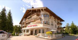Hotel St. Georg - Seefeld - Building