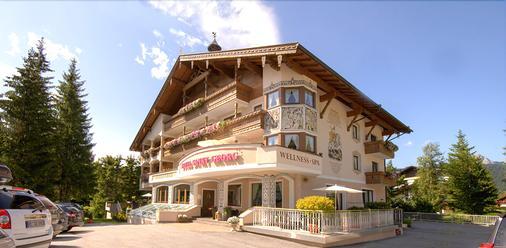 Hotel St. Georg - Seefeld - Rakennus