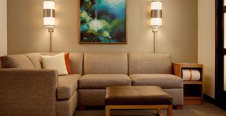 Hyatt Place Charlotte Airport/Lake Pointe - Charlotte - Sala de estar
