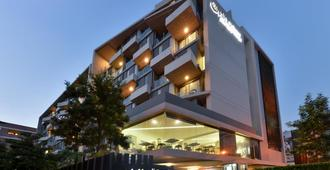 Aster Hotel and Residence by At Mind - Pattaya - Edifício