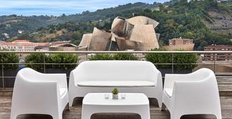 Gran Hotel Domine Bilbao - בילבאו - מרפסת