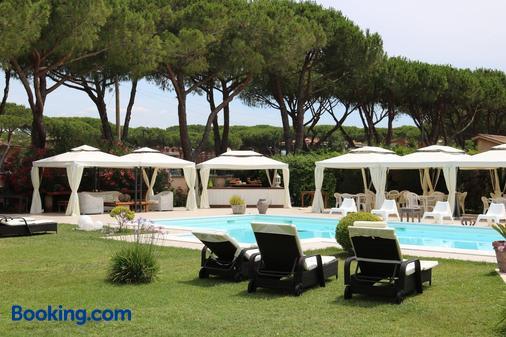 Hotel Velcamare - Tarquinia - Πισίνα