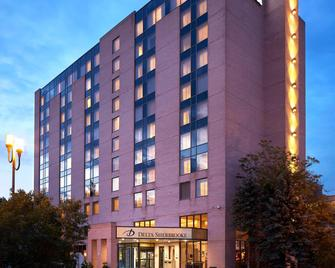 Delta Hotels by Marriott Sherbrooke Conference Centre - Шербрук - Здание