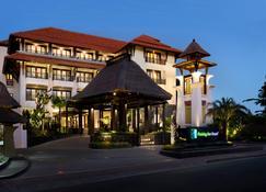 Holiday Inn Resort Bali Benoa - South Kuta - Building