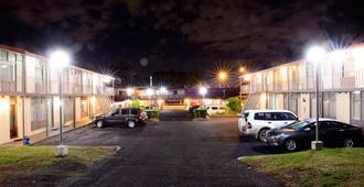 Liberty Plains Motor Inn - סידני - נוף חיצוני