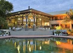 Cresta Lodge - Harare - Harare - Piscina