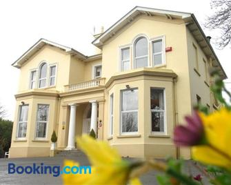 Knockeven House - Cobh - Edificio