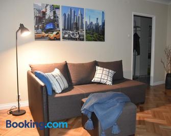 Apartament Na Bloniach - Sanok - Living room