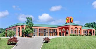 Super 8 by Wyndham Knoxville East - Knoxville - Toà nhà