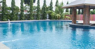 Thong's Inn - Kno Kualanamu Transit Hotel - Medan