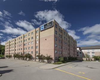 Residence & Conference Centre - Kitchener-Waterloo - Kitchener - Building
