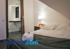 Sofia Bed & Breakfast - Kryspinów - Bedroom
