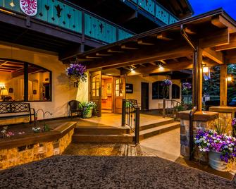 Best Western Tyrolean Lodge - Ketchum - Building
