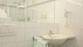 Hotel Hansa - Offenbach am Main - Bathroom