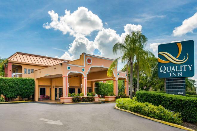 Quality Inn Sarasota North - Sarasota - Building