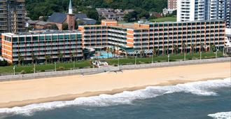 Holiday Inn & Suites Virginia Beach - North Beach - Virginia Beach - Spiaggia