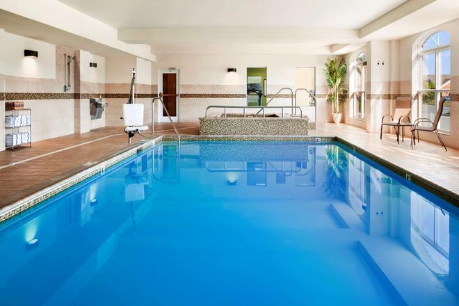 Country Inn & Suites by Radisson, Lexington Park - California - Pool