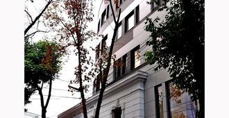 Sarroglia - Bucareste - Edifício