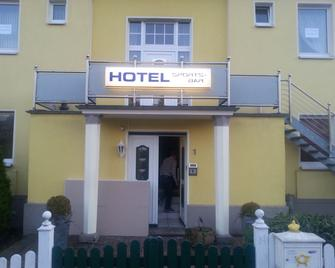 Hotel Zur Sportsbar - Horn-Bad Meinberg - Building